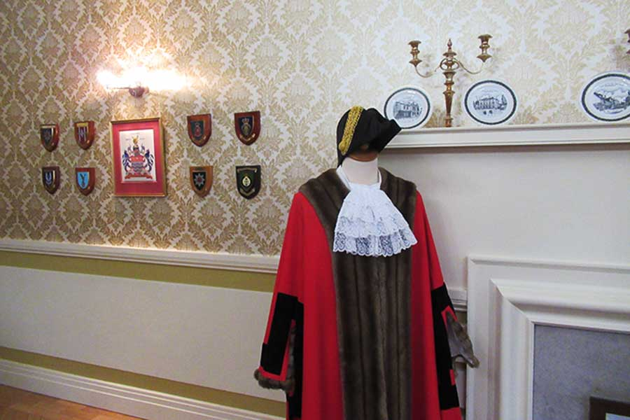 Tours of the Mayoral Parlour